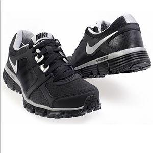 Nike Dual Fusion ST 2 (size 8.5)